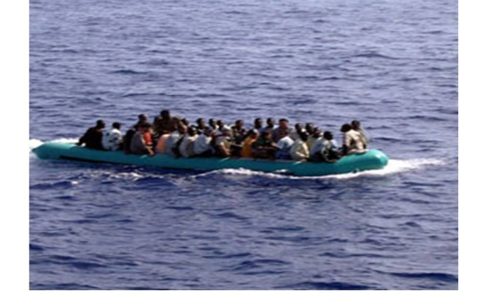 Soccorso a largo delle coste marsalesi gommone con a bordo 10 extracomunitari
