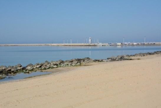 Sembra proprio che qualcuno, con prepotenza e disinvoltura, voglia imporre impianti privati sulla nostra spiaggia