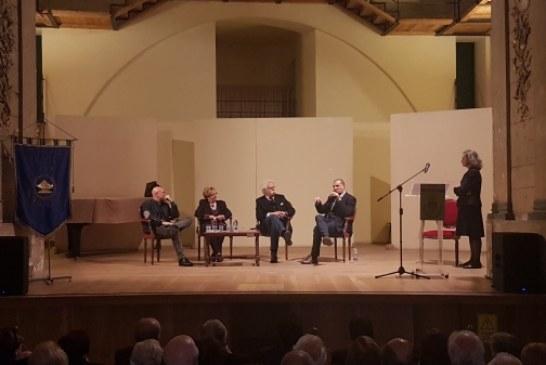 """""""PICCOLO ALMANACCO DI EMOZIONI""""  Presentato il libro di Giacomo Pilati al Teatro Garibaldi"""