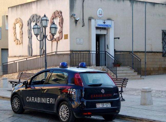PARTANNA. MAXI SERVIZIO DEI CARABINIERI CONTRO I FURTI DI ENERGIA ELETTRICA.
